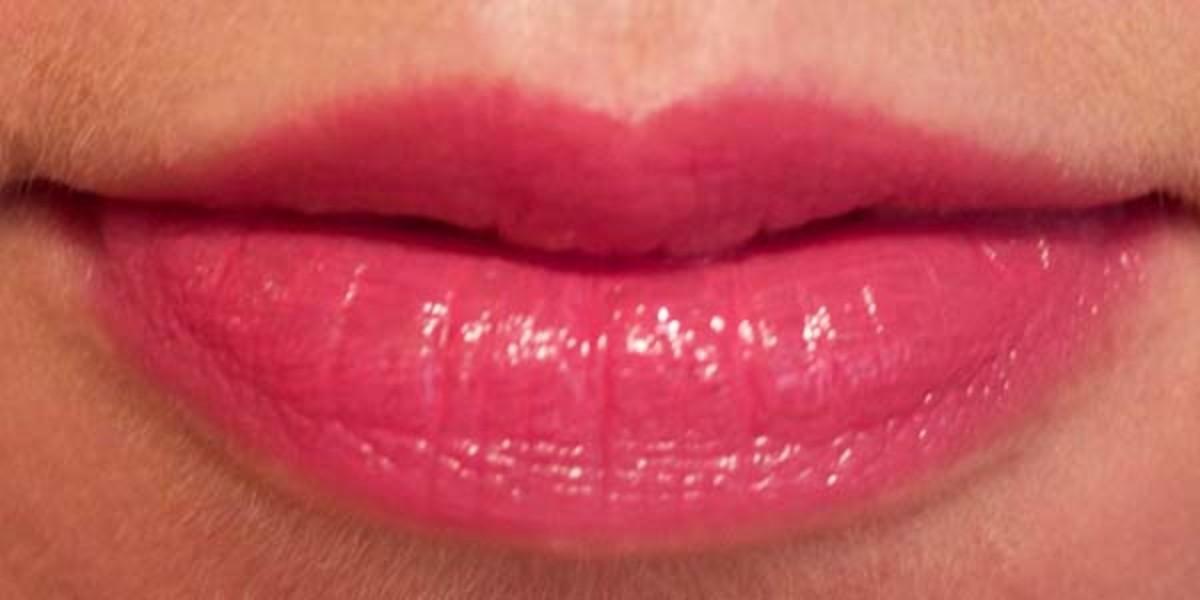 Lise Watier Hydra Kiss Colour Balm in Rose Eden