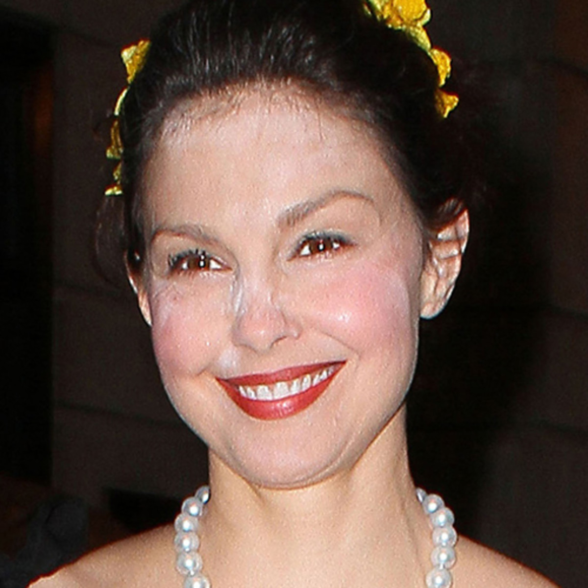 Ashley-Judd-white-powder-2