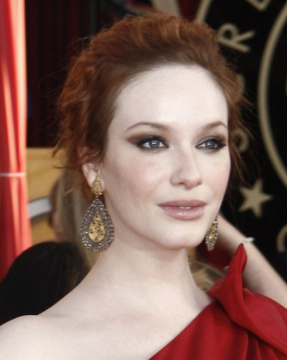 Christina_Hendricks_arrives_at_the_16th_Annual_Screen_Actors_Guild_Awards
