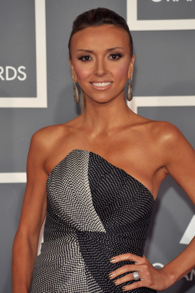 Giuliana-Rancic-tan