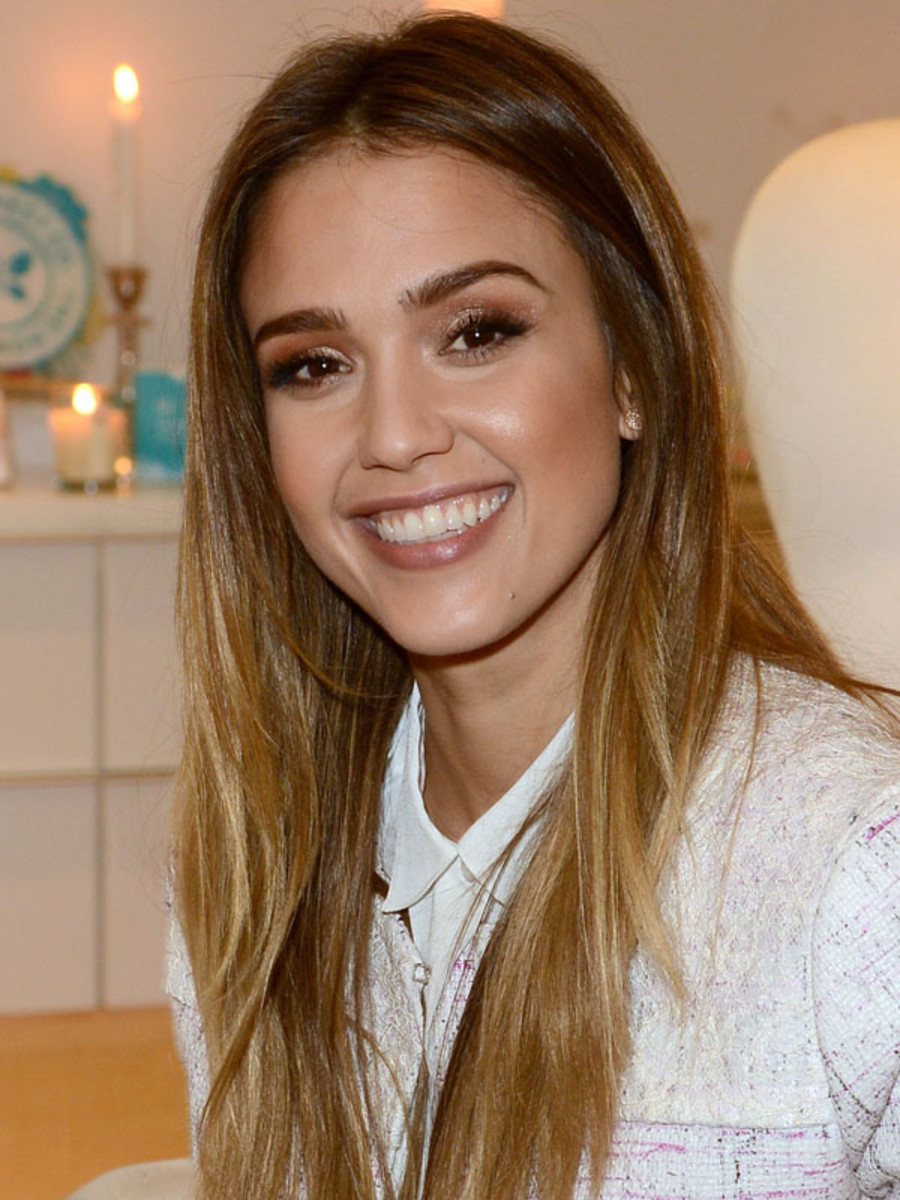 Jessica Alba - The Honest Life book signing, March 2013
