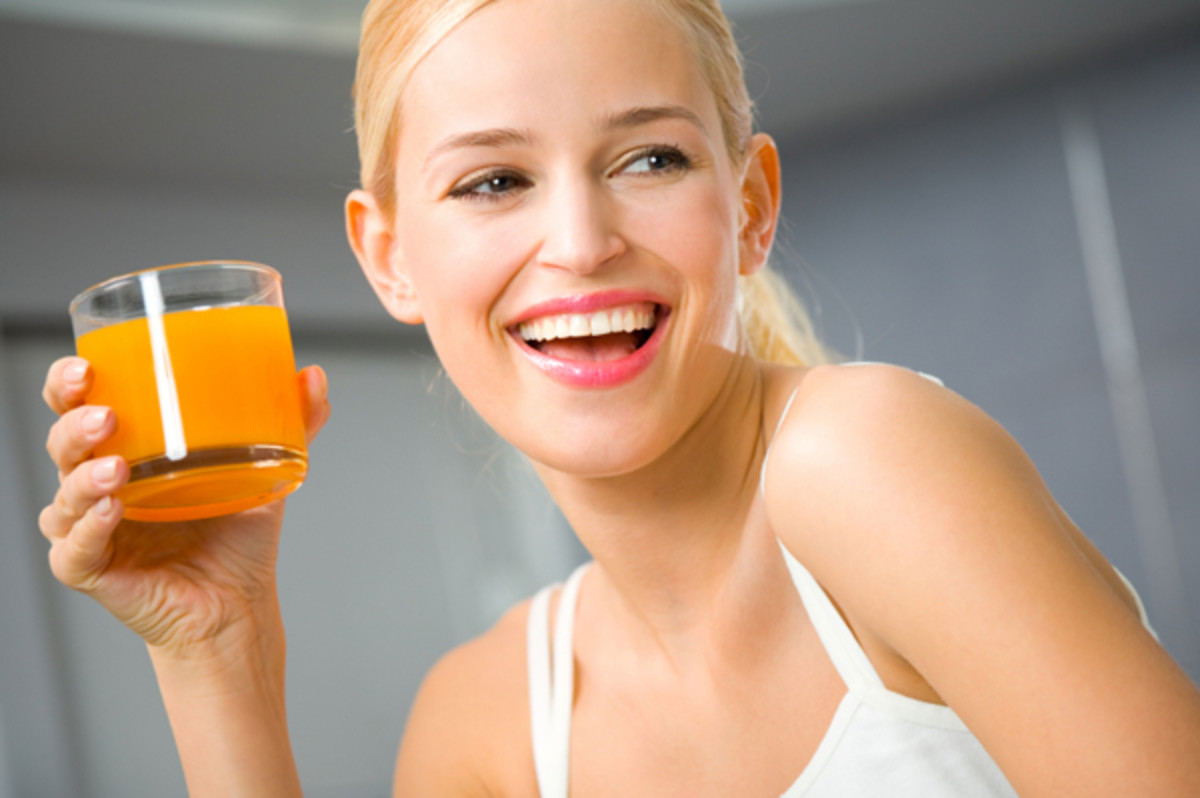 woman-drinking-juice