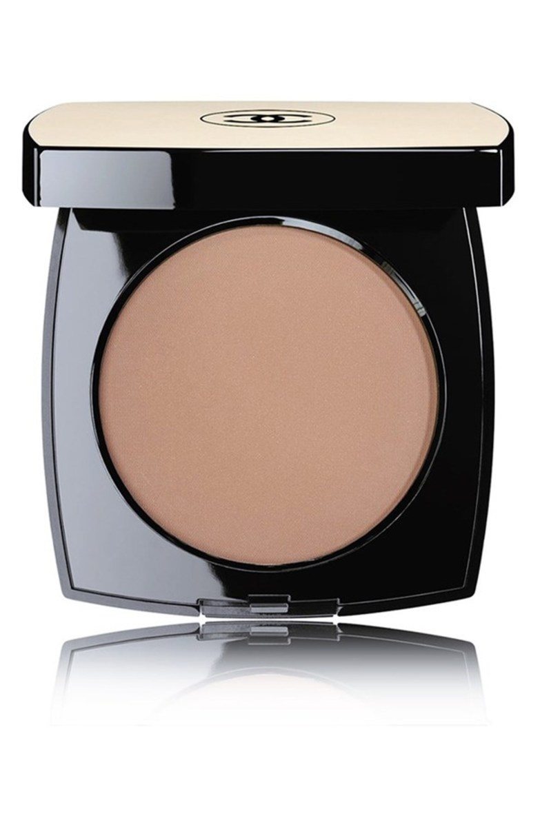 Chanel Les Beiges Healthy Glow Sheer Colour SPF 15 in N50