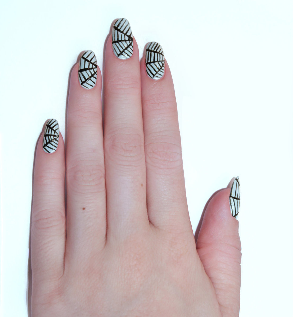 Spider web nails (step 3)