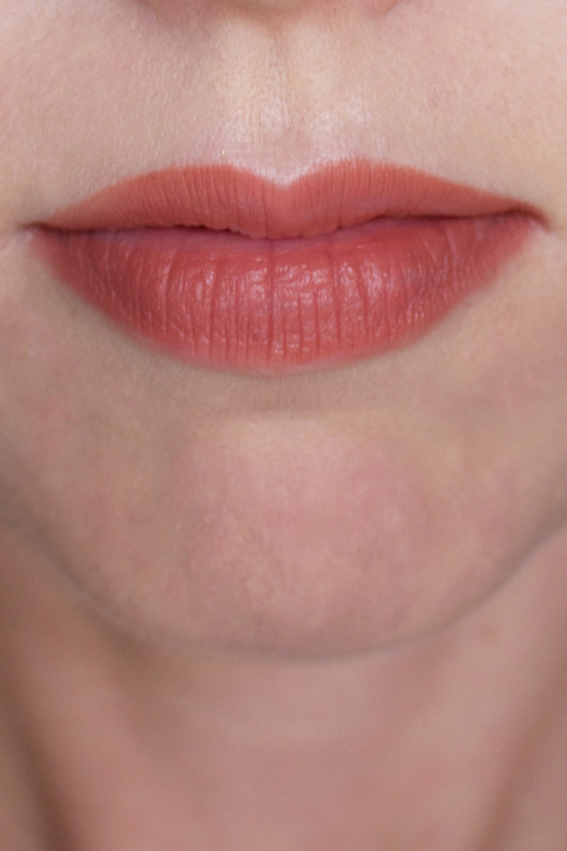 Kevyn Aucoin The Flesh Tone Lip Pencil in Bare (on lips)