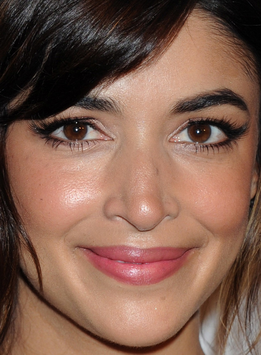 Hannah Simone, Courage in Journalism Awards 2015