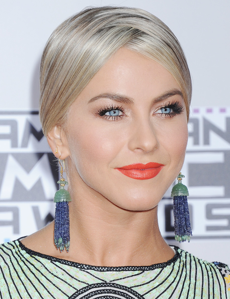 Julianne Hough, American Music Awards 2015