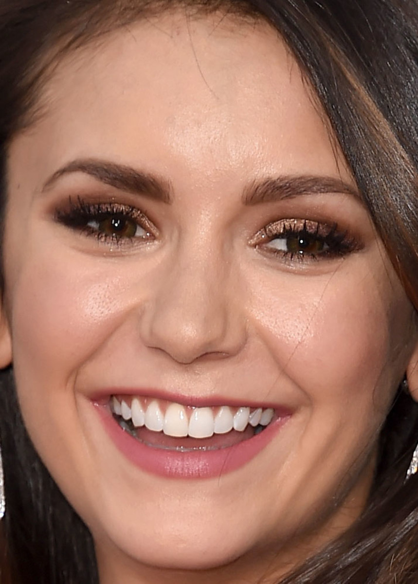 Nina Dobrev, American Music Awards 2015