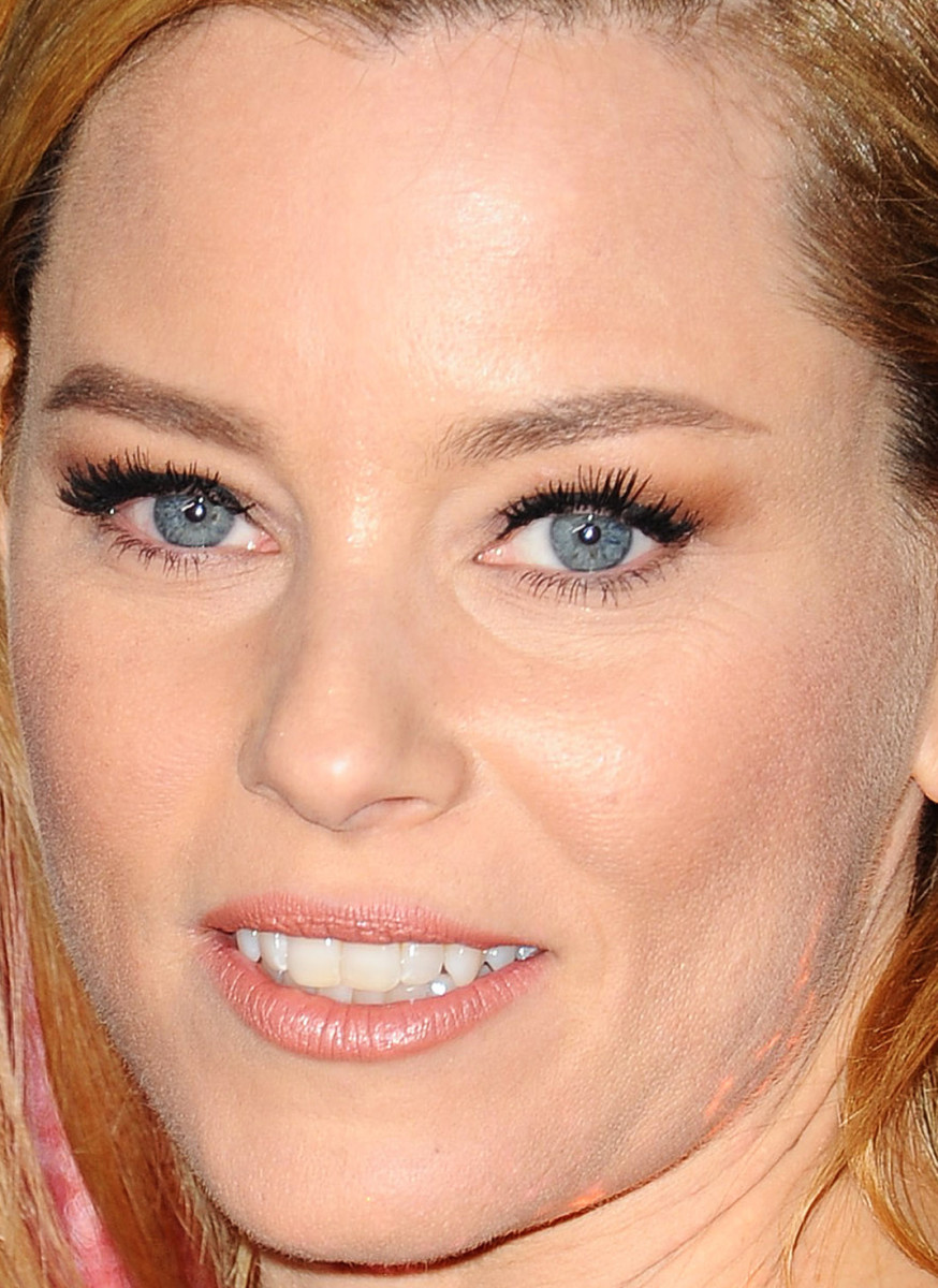 Elizabeth Banks, The Hunger Games Mockingjay Part 2 Los Angeles premiere, 2015