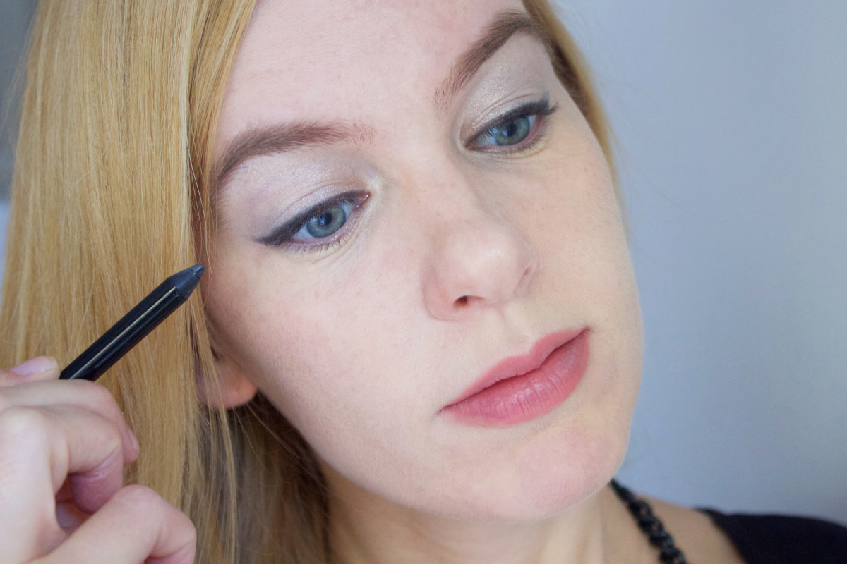 Easy holiday makeup tutorial (step 3)