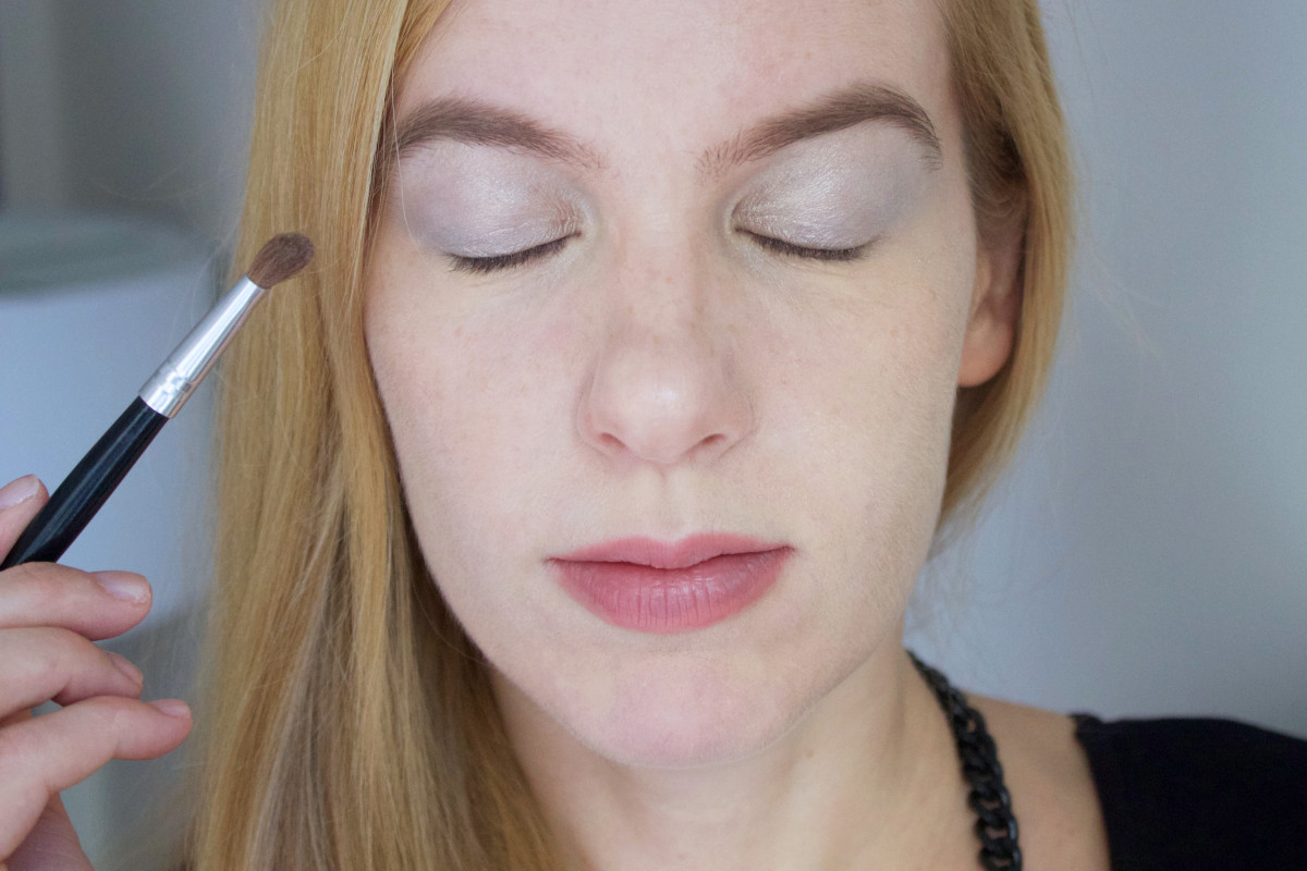 Easy holiday makeup tutorial (step 2)