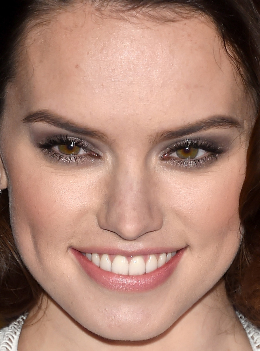 Daisy Ridley, Star Wars The Force Awakens Hollywood premiere, 2015
