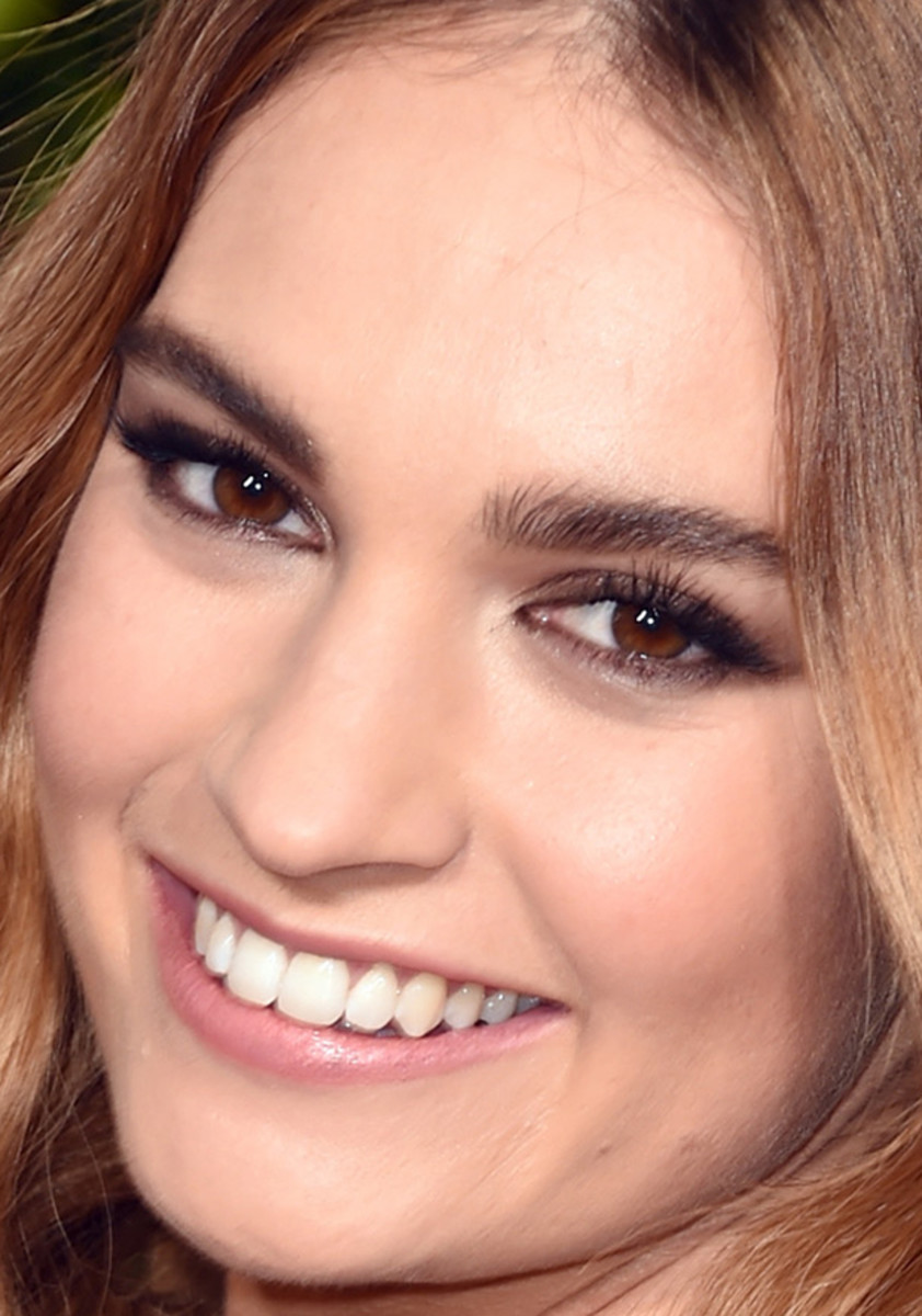 Lily James, Golden Globe Awards 2016