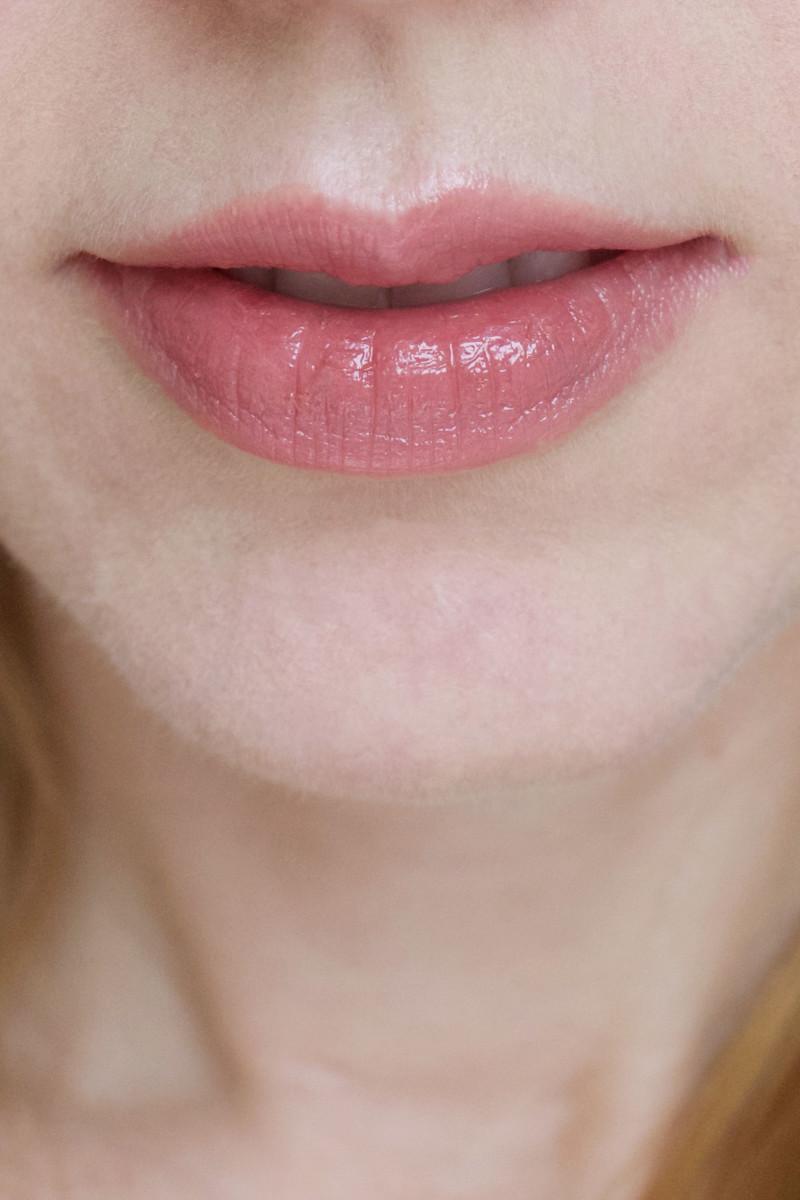 Urban Decay Ex-Girlfriend Lipstick (swatch)