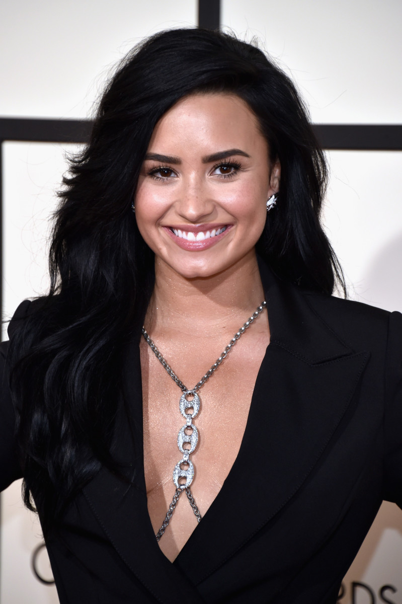 Demi Lovato, Grammy Awards 2016