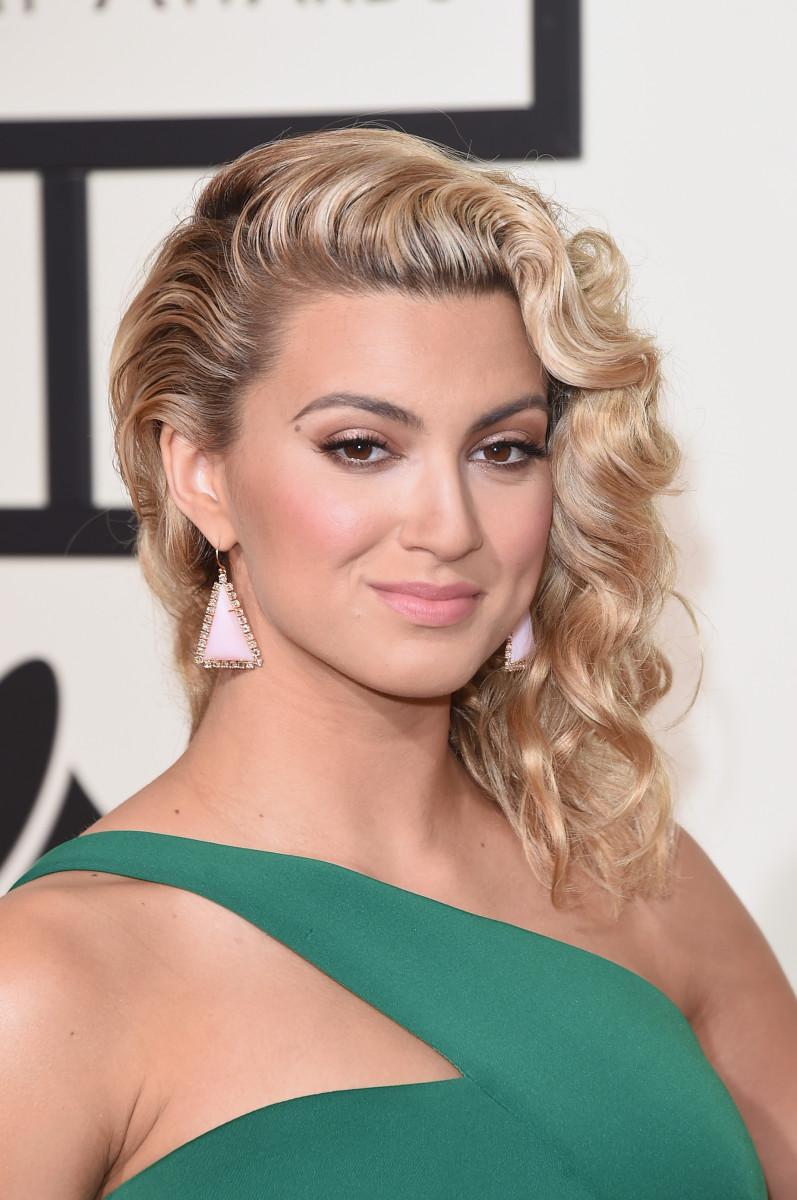 Tori Kelly Grammy Awards 2016