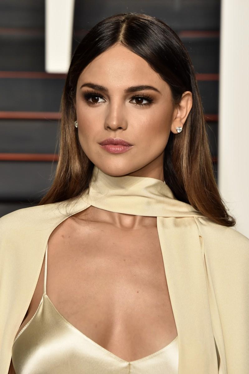 Eiza Gonzalez, Vanity Fair Oscar party, 2016