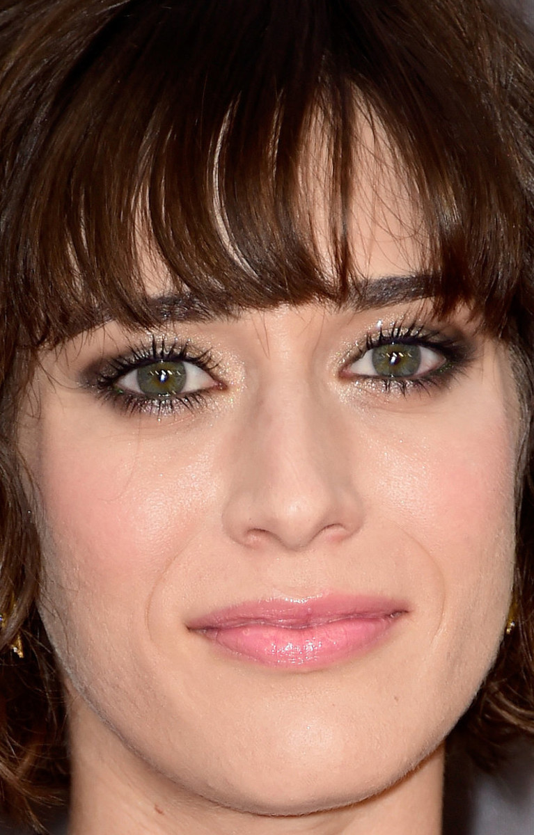 Lizzy Caplan, MTV Movie Awards 2016