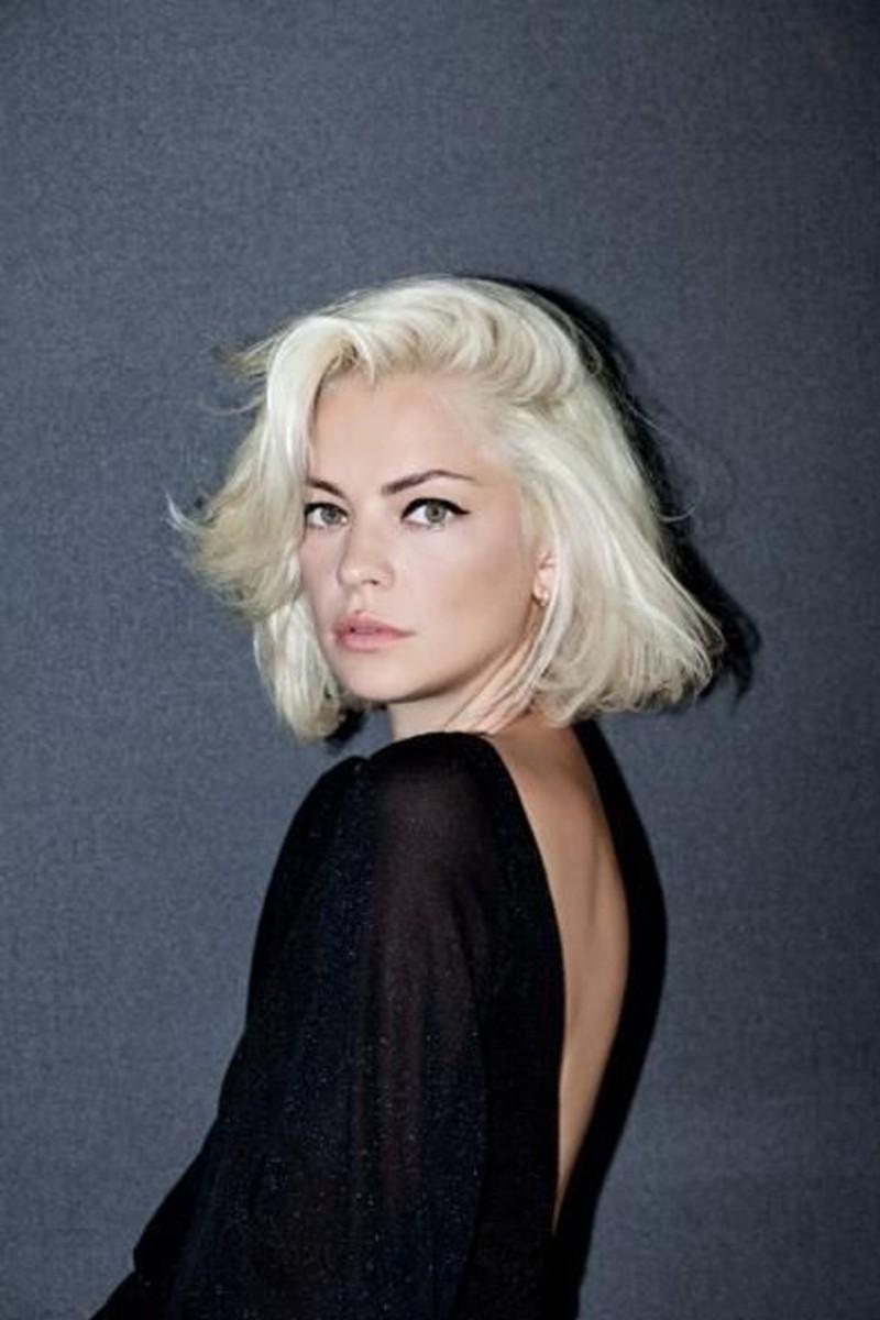 Platinum blonde voluminous bob