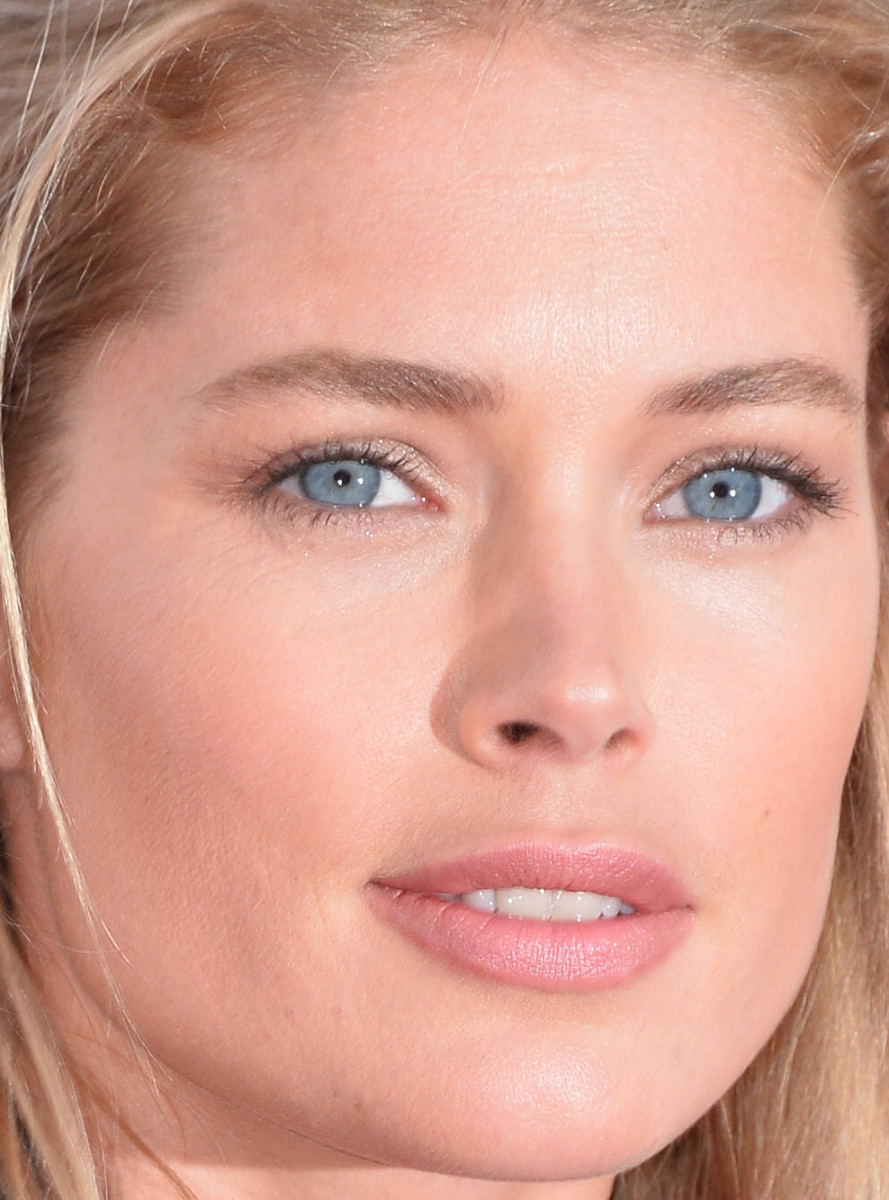 Doutzen Kroes, Cafe Society Cannes premiere, 2016