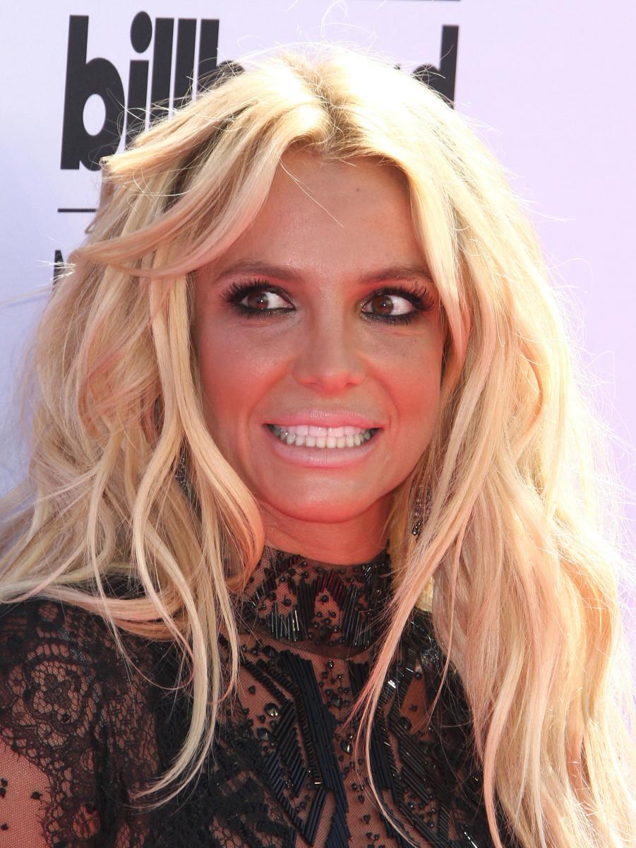 Britney Spears, Billboard Music Awards 2016