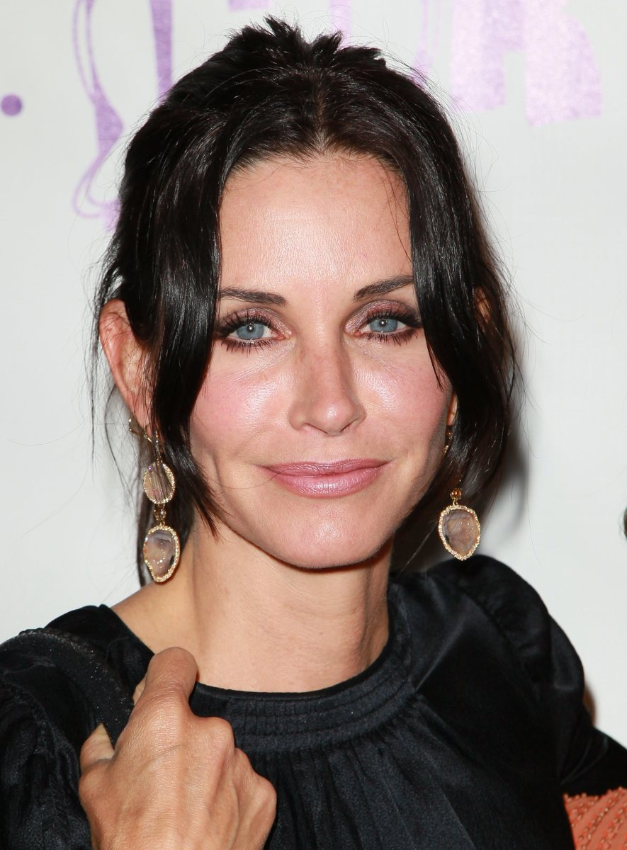 Courteney Cox, Los Angeles Antique Show opening night party, 2010