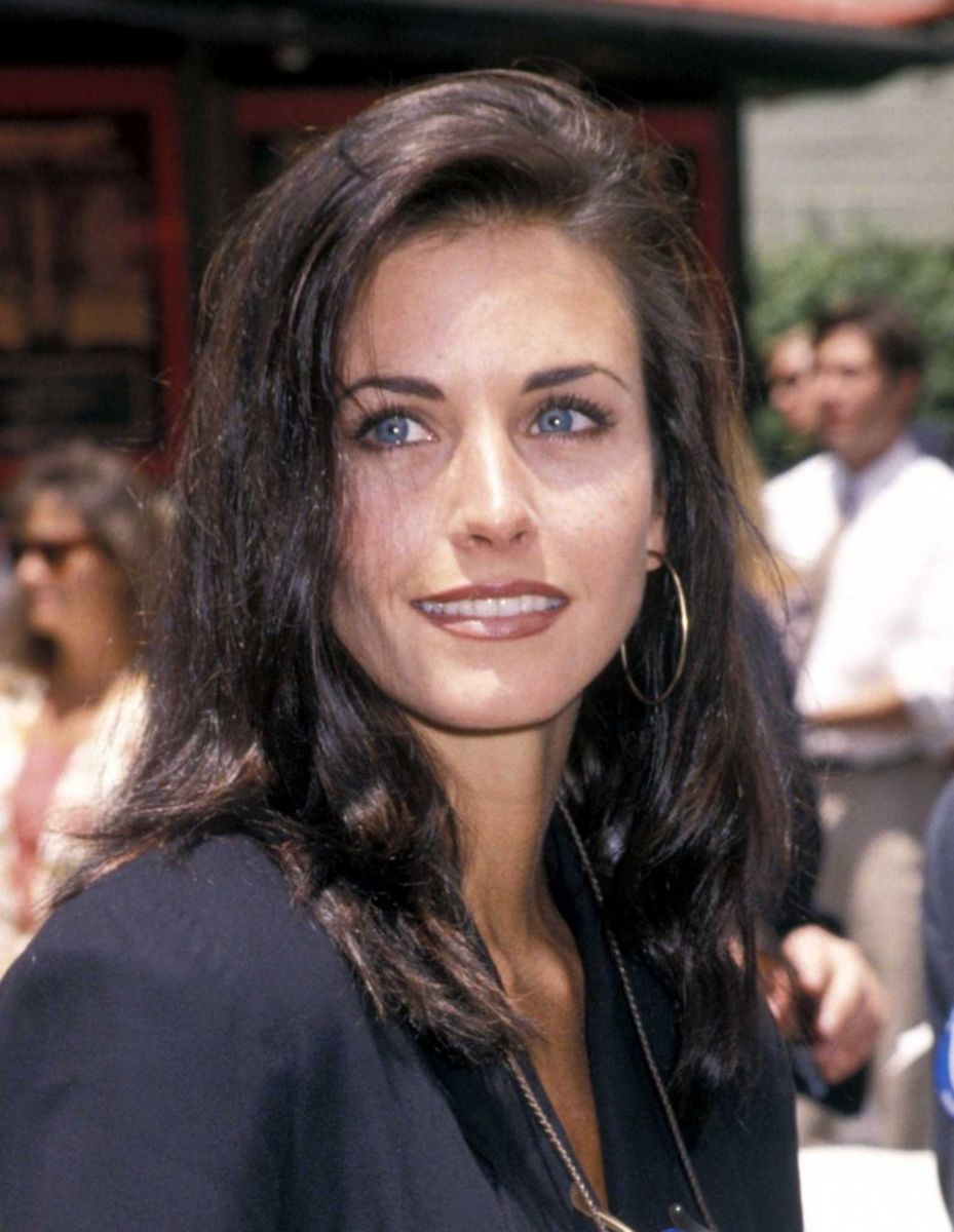 Courteney Cox, Michael Keaton Hand and Footprint Ceremony, 1992