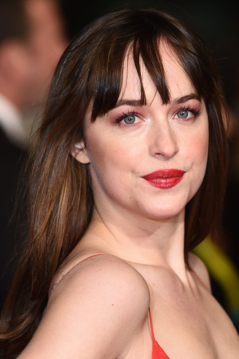 Dakota Johnson Before And After Beautyeditor