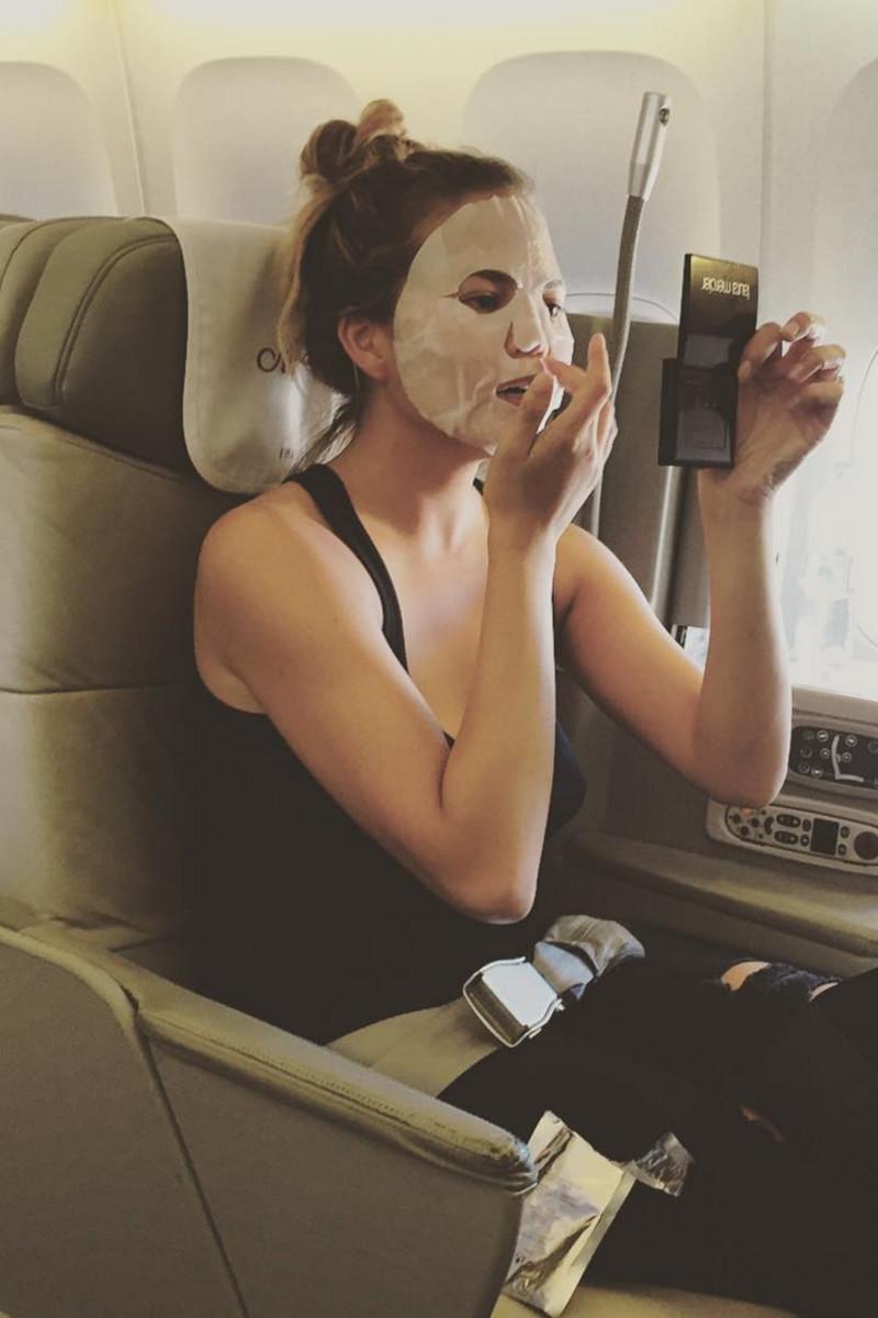 Chrissy Teigen in-flight sheet mask