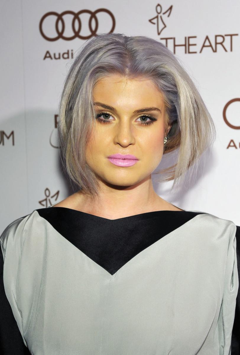 Face darker than body - Kelly Osbourne