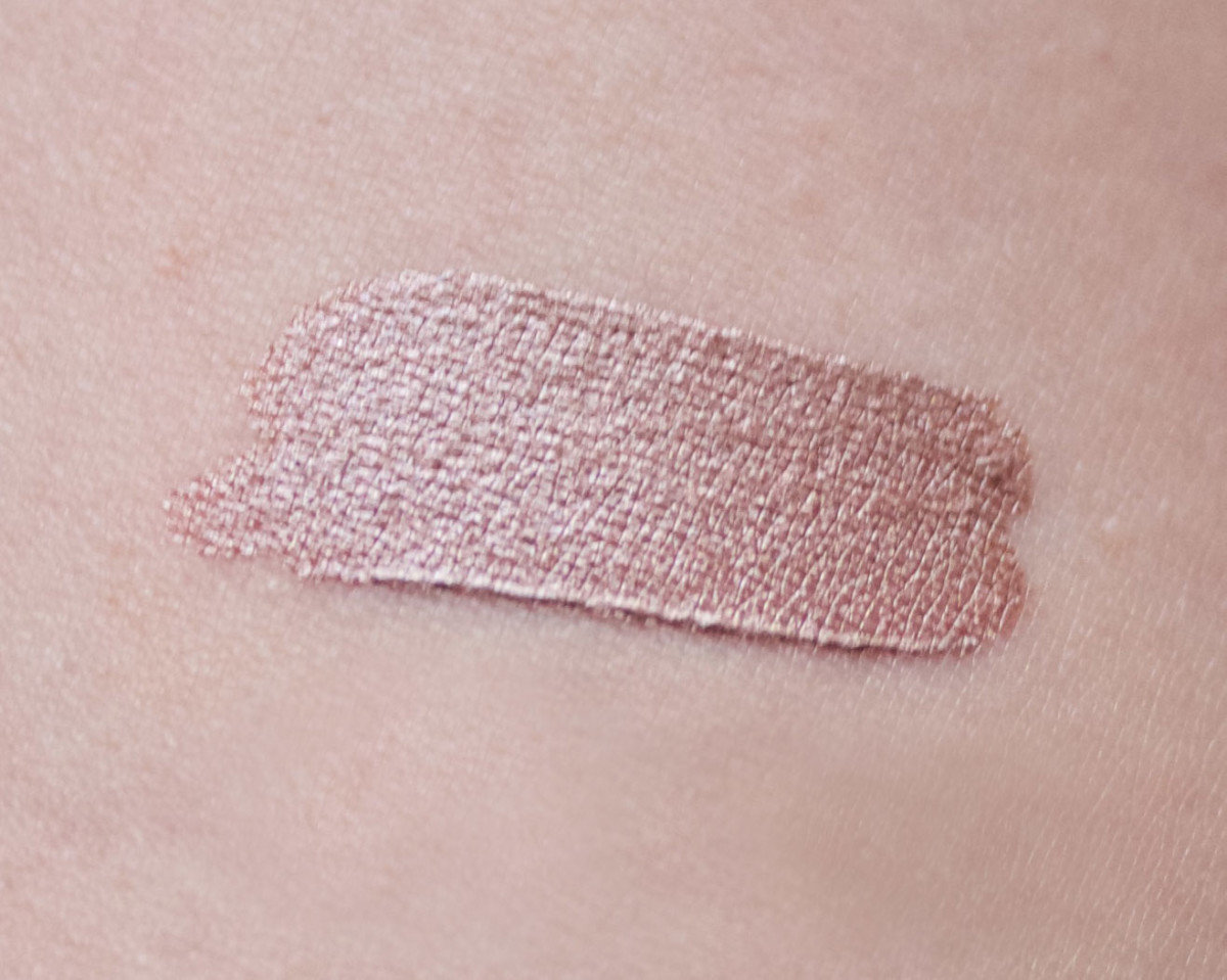 Lush Cream Eyeshadow in Sophisticated (swatch)