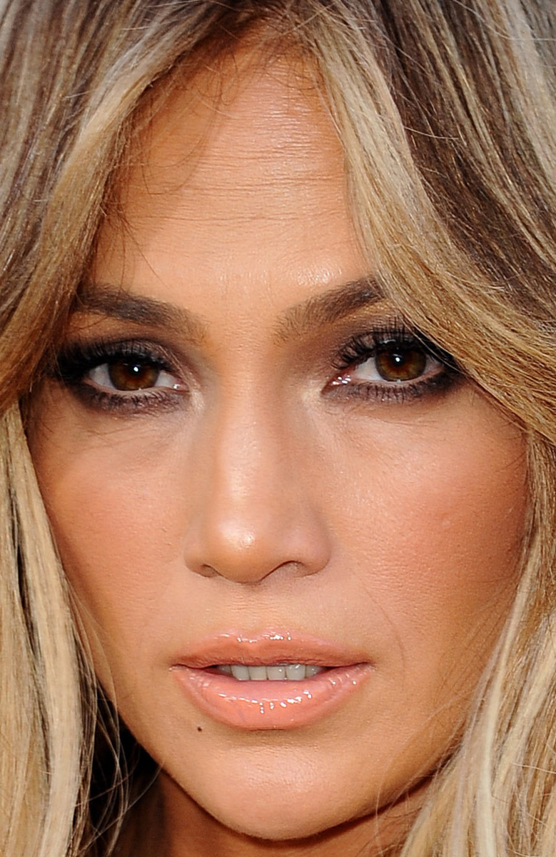 Jennifer Lopez, Billboard Music Awards 2015