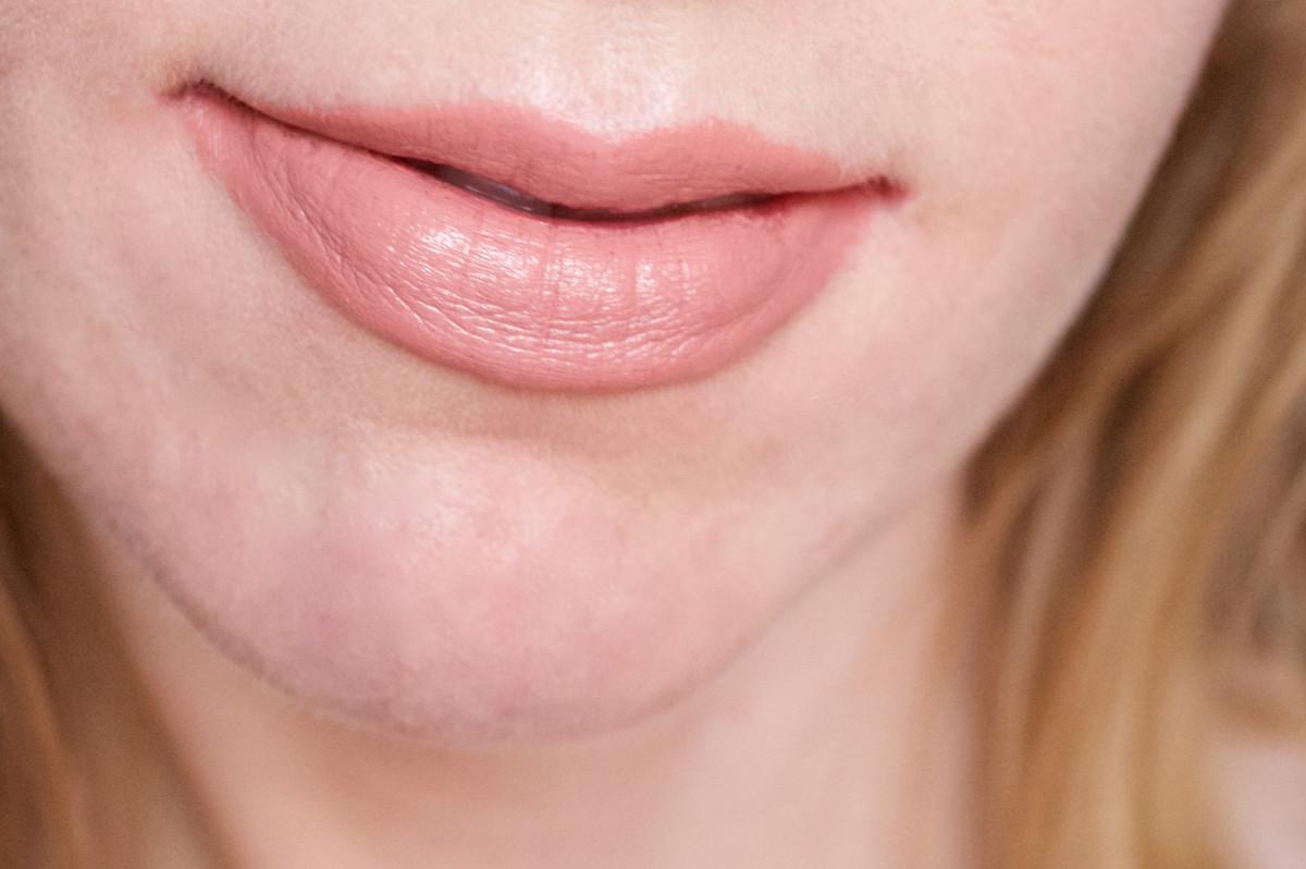 NARS Audacious Lipstick in Raquel