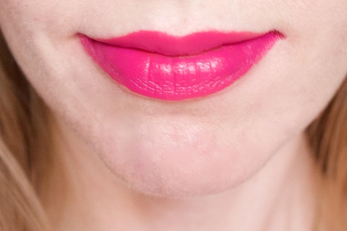NARS Audacious Lipstick in Michiyo