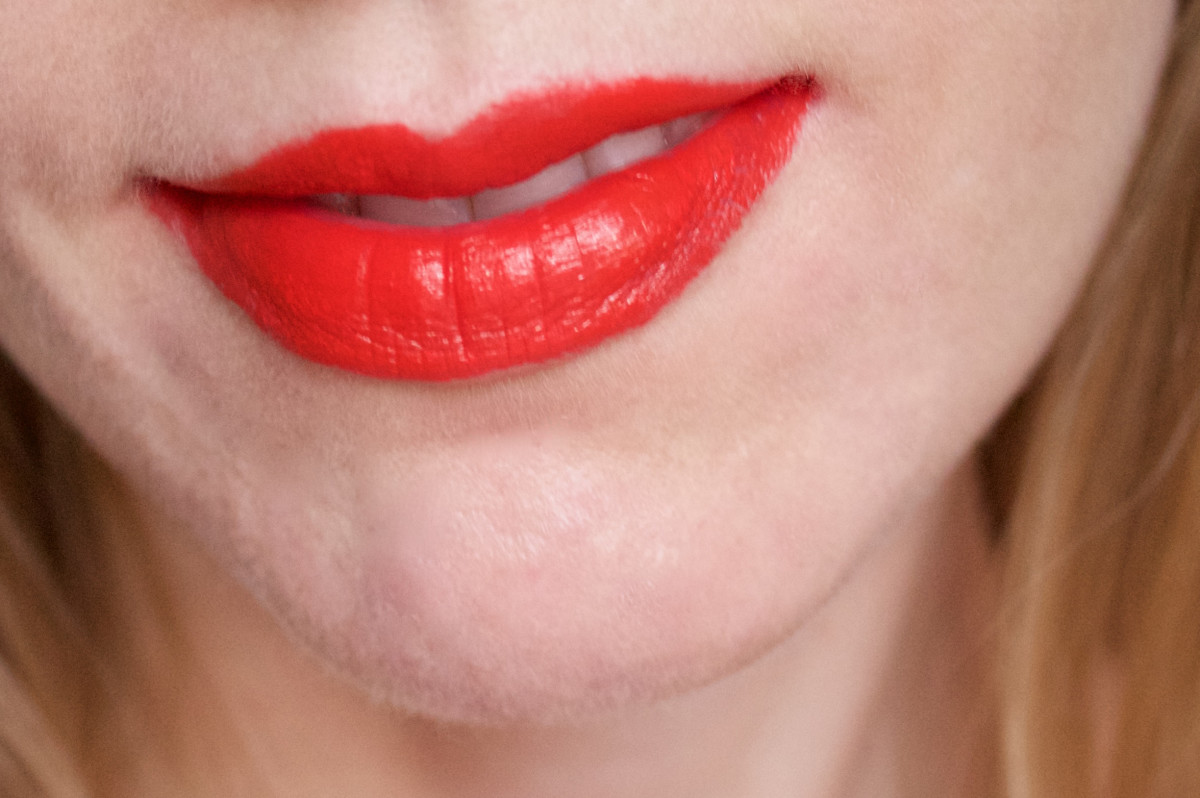 NARS Audacious Lipstick in Lana