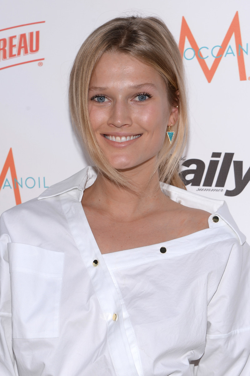 Toni Garrn, The Daily Summer Season premiere issue party, 2015