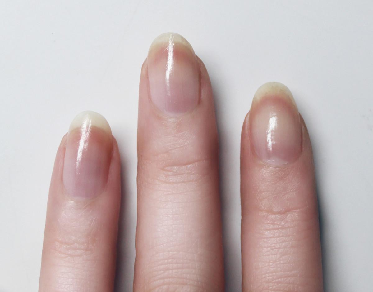 Confetti manicure - step 1