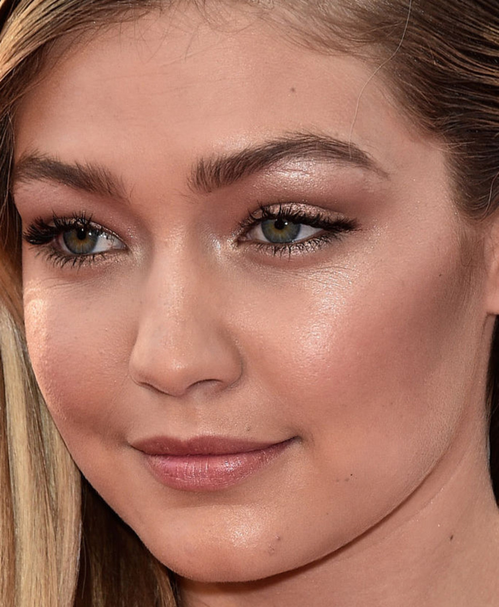 Gigi Hadid, MuchMusic Video Awards 2015