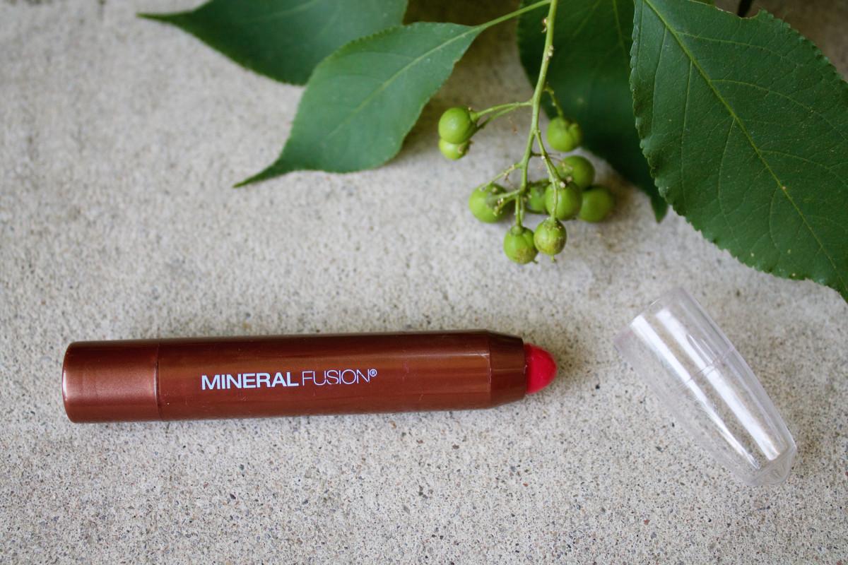 Mineral Fushion Sheer Moisture Lip Tint in Smolder