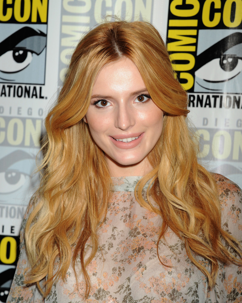 Bella Thorne, Scream Comic-Con press line, 2015
