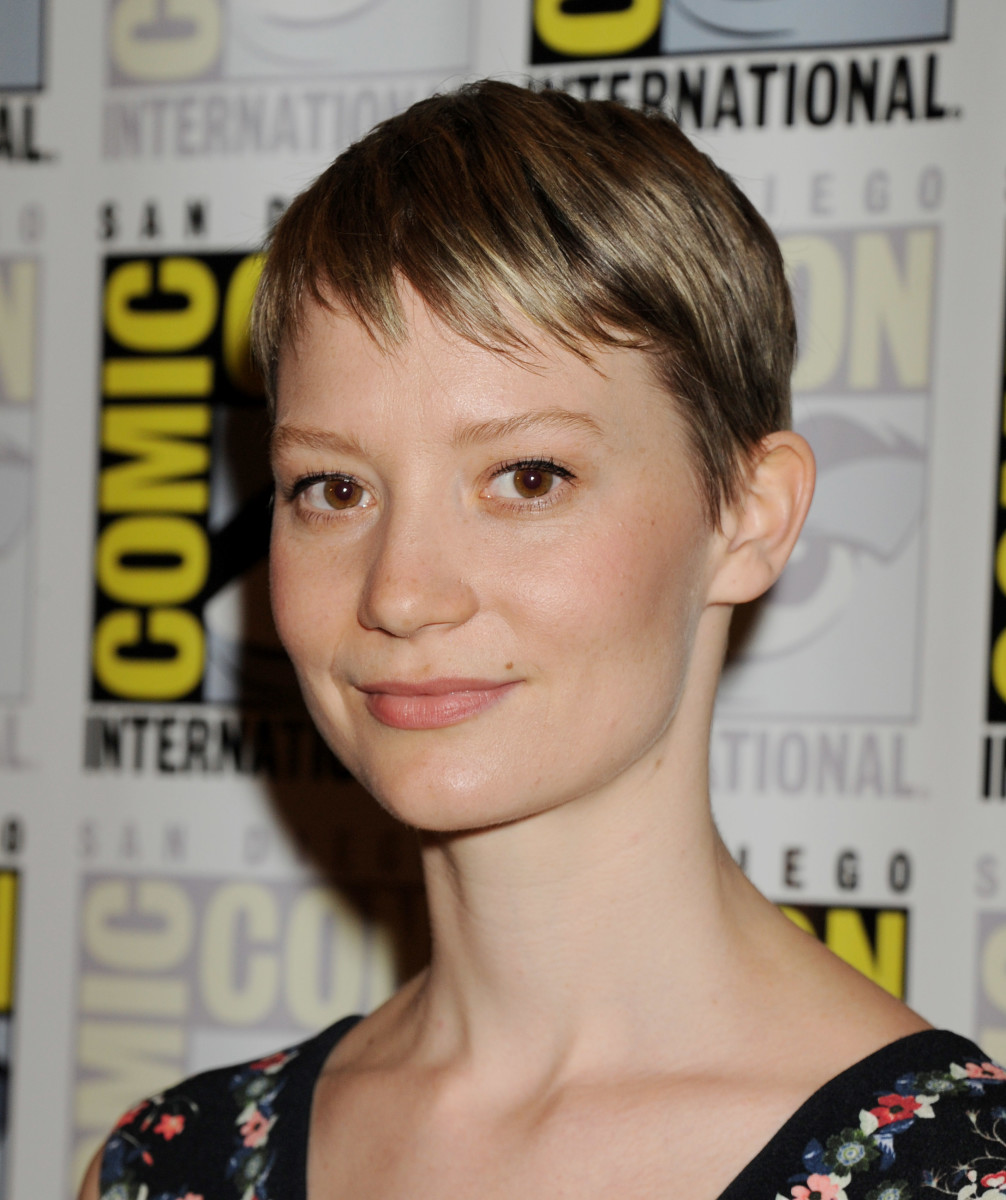 Mia Wasikowska, Crimson Peak Comic-Con press line, 2015