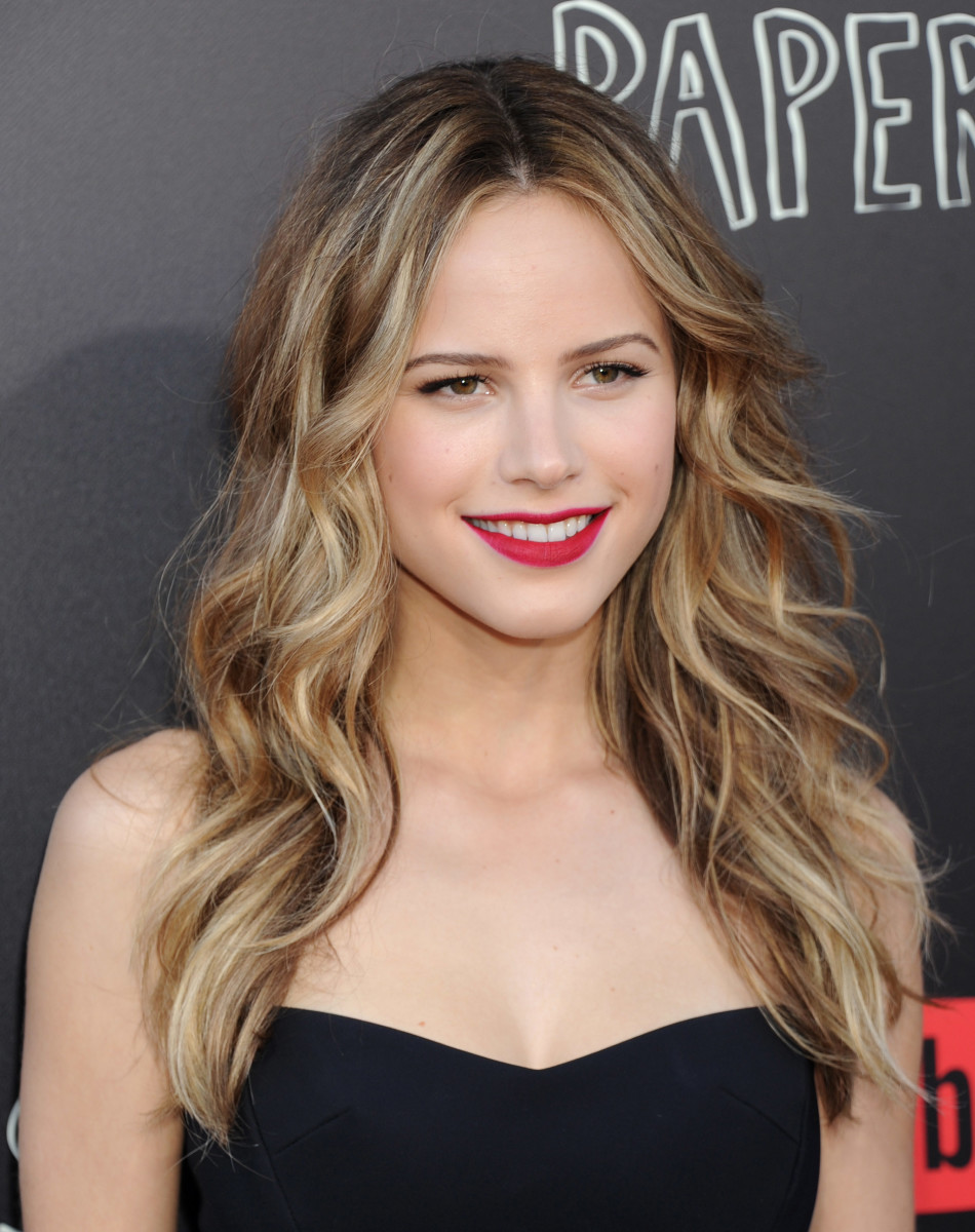 Halston Sage, Paper Towns Q and A and concert, 2015