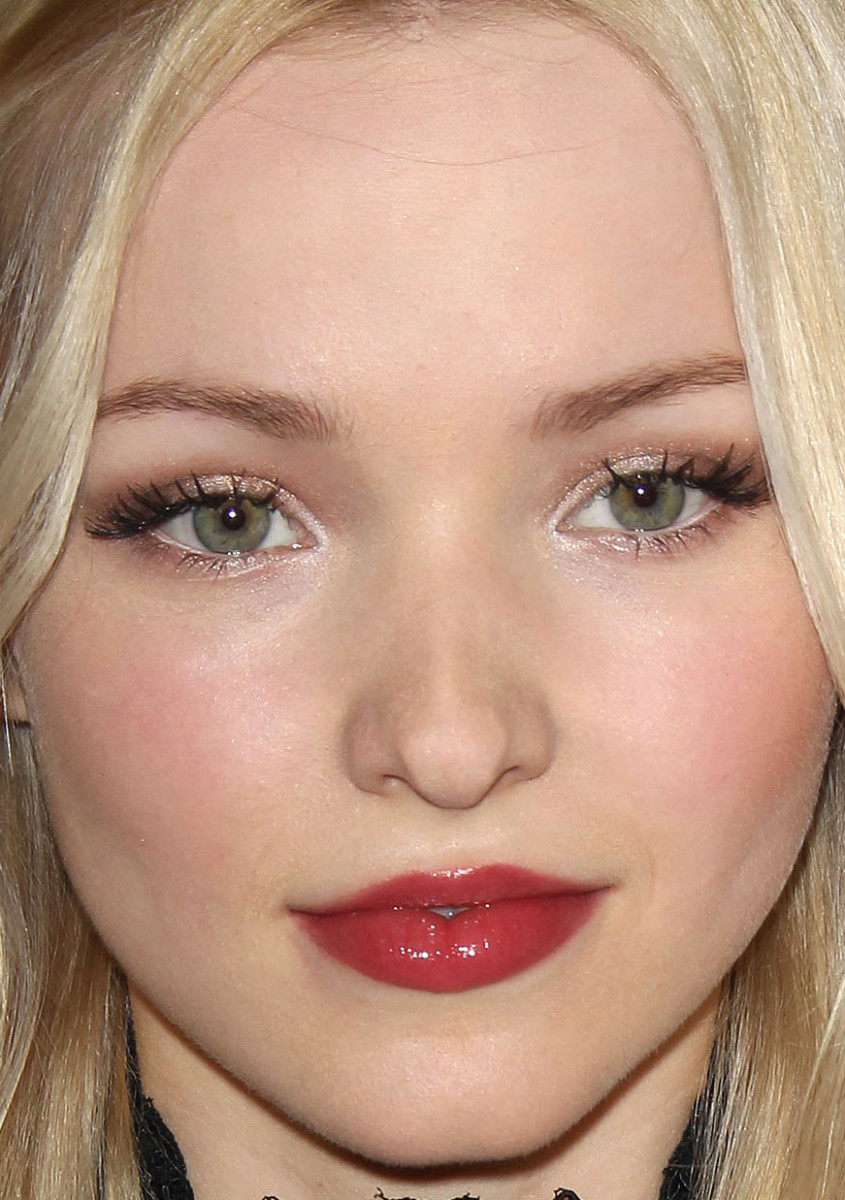 Dove Cameron, Descendants premiere, 2015