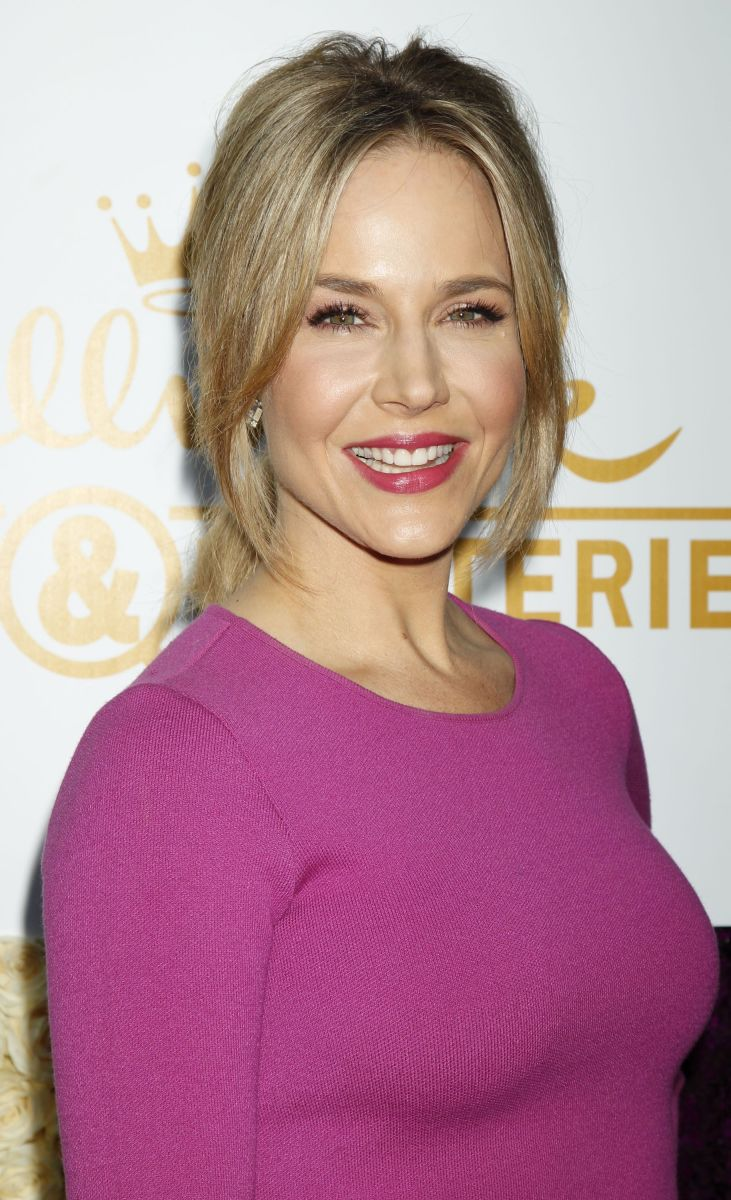 Julie Benz, Hallmark Channel Summer TCA Tour, 2015