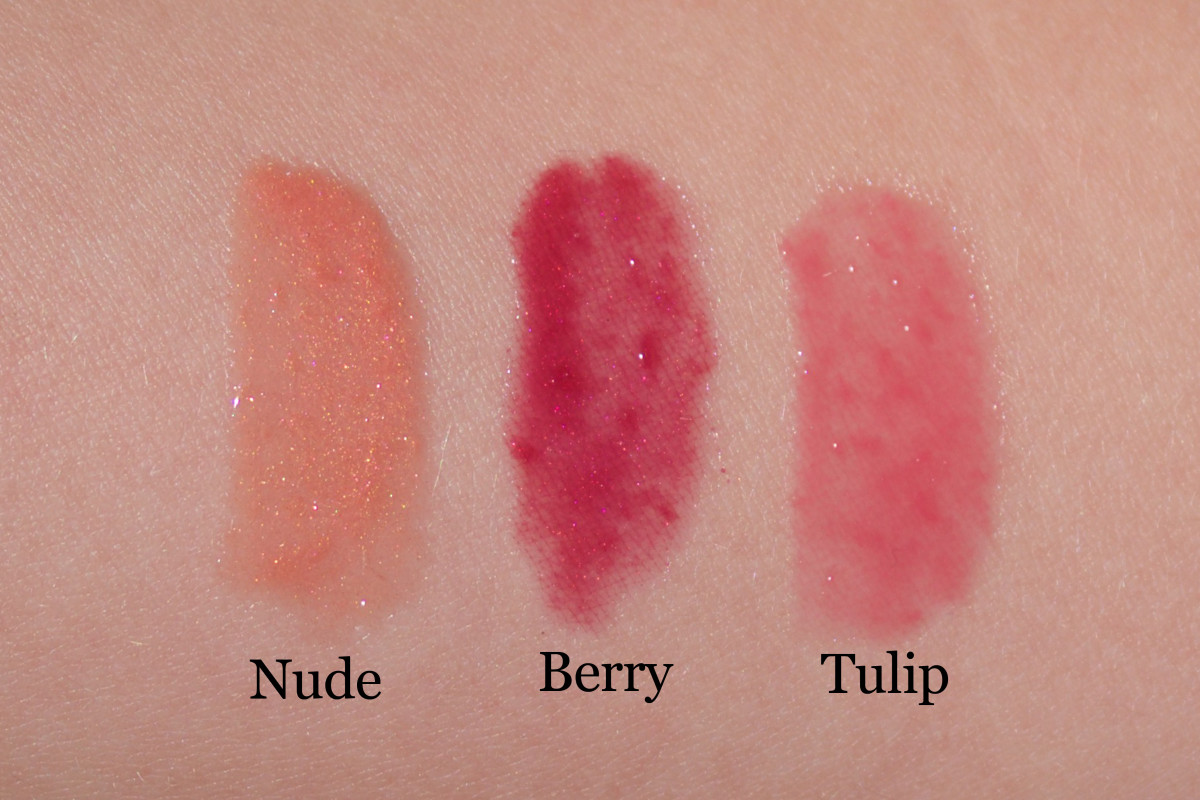 Fresh lip gloss (swatches)