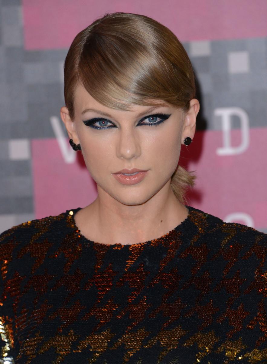 Taylor Swift, MTV Video Music Awards 2015