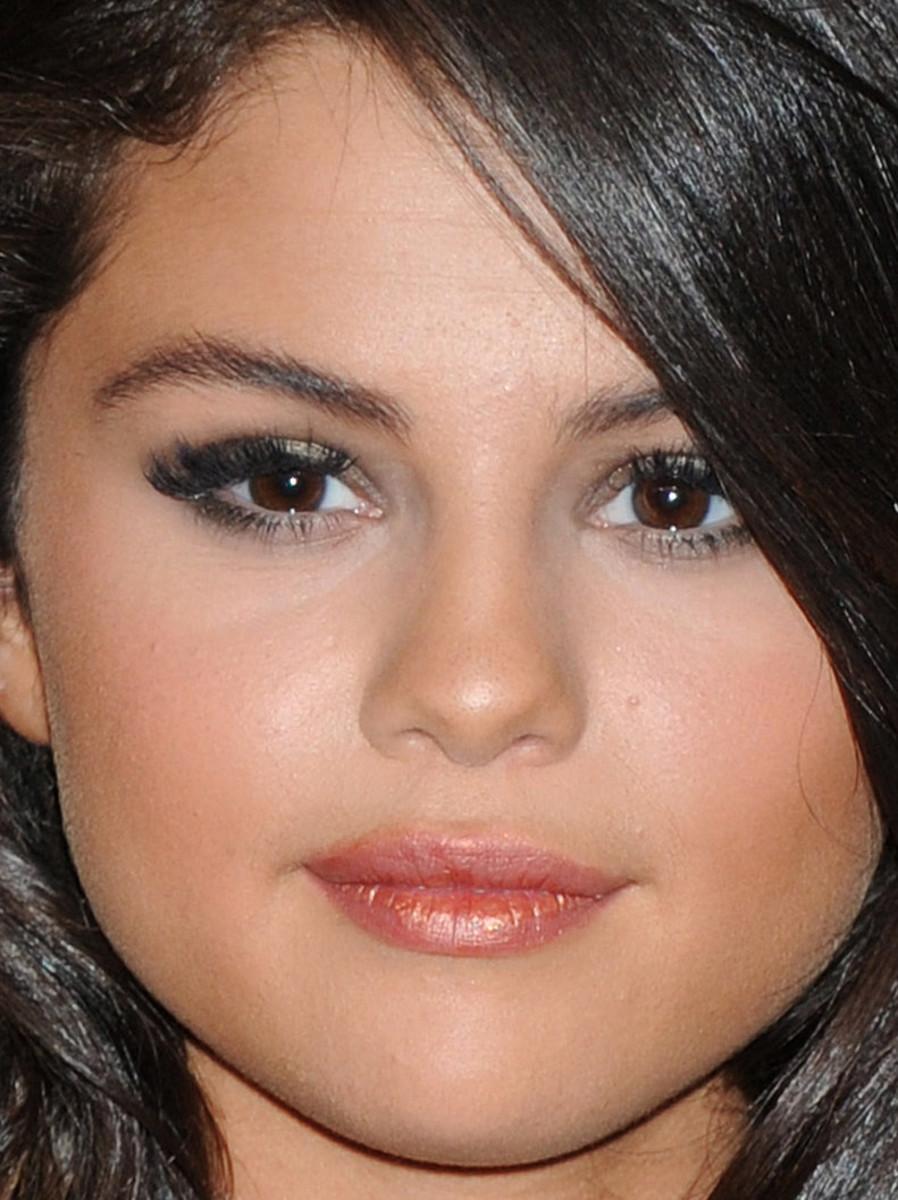 Selena Gomez, MTV Video Music Awards 2015