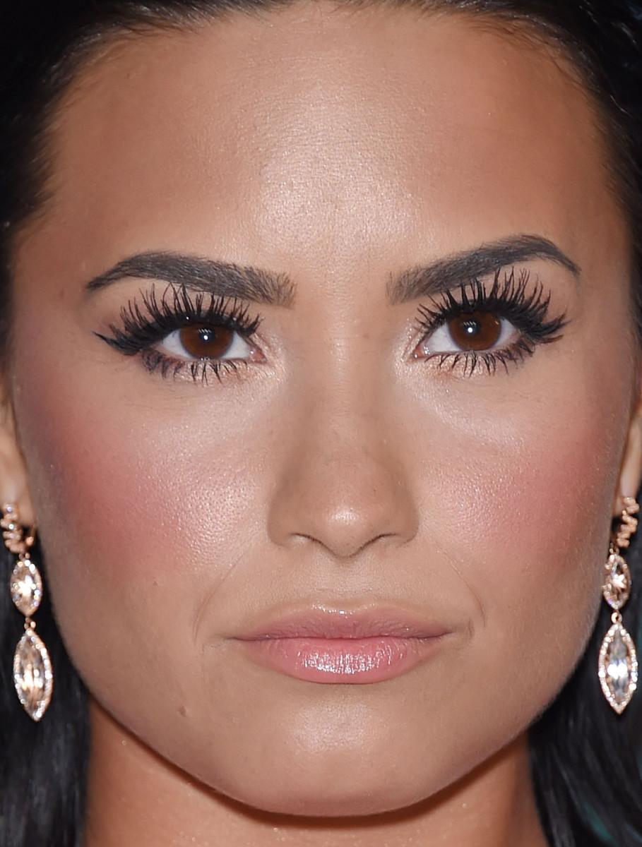 Demi Lovato, MTV Video Music Awards 2015