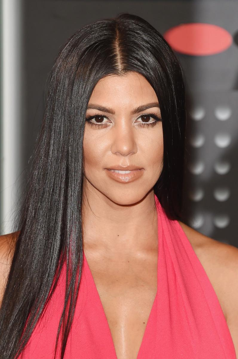 Kourtney Kardashian, MTV Video Music Awards 2015