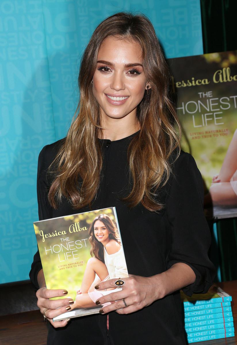 Jessica Alba, The Honest Life book signing, Pasadena, 2013